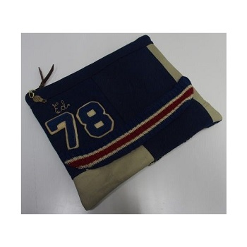 threeeight_handlight-letter-clutchbag-navy1.jpg