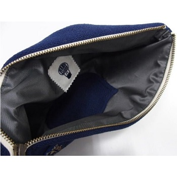 threeeight_handlight-letter-clutchbag-navy1_4.jpg